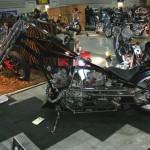 国産バイクのエンジン2機がけ。